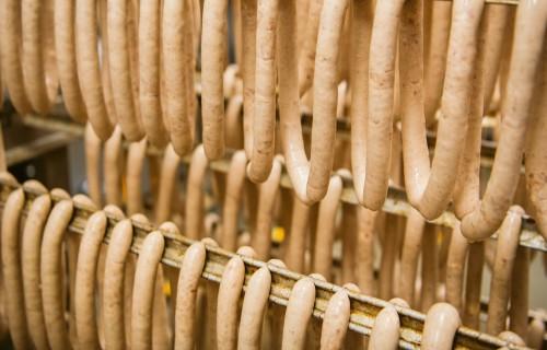 Saldenieku gardās desas no pašu audzētām cūkām