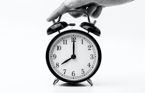 Joprojām nav skaidrs, kad ES atteiksies no pulksteņa pārregulēšanas