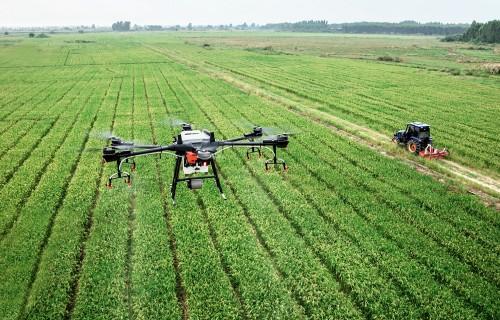 Drons – lidojošais traktors
