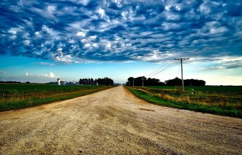 Zemnieku saeima: Lauku darbus nevar veikt attālināti, nepārvietojoties pa ceļiem!